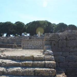 Asklepios en las ruinas griegas de Empuries