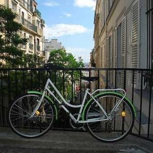 París con amigos sobre ruedas: bicis y patines en la capital francesa