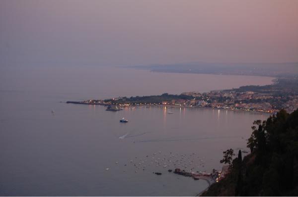 Giardini Naxos, visto desde Taormina