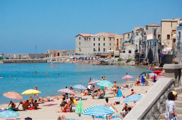 Playa de Cefalù