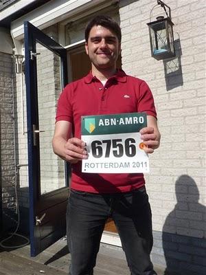 Txemi a punto de correr la maratón de Rotterdam