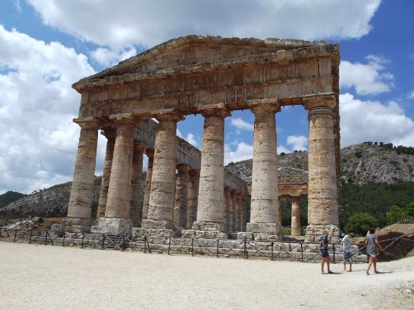 Templo inacabado de Segesta
