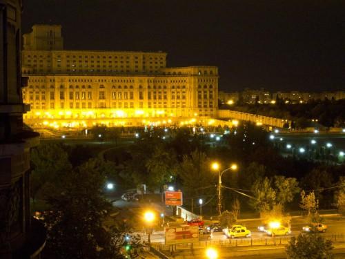 Parlamento rumano de noche