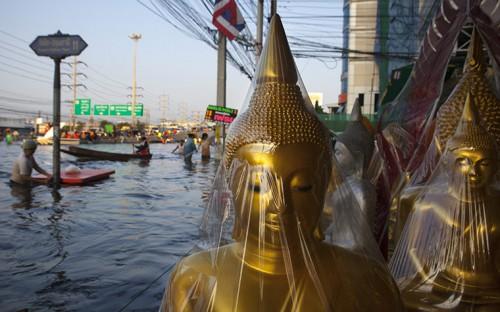 Calle de Rangsit en Bangkok @guardian