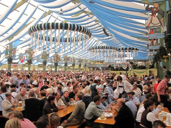 Carpa Ochsenbraterei en el Oktoberfest