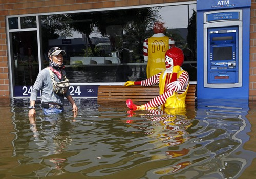 McDonalds de Bangkok inundado @guardian