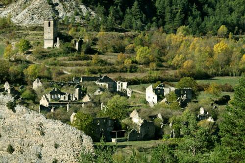 El pueblo de Jánovas desde la carretera