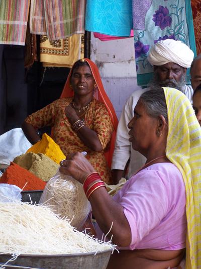 Mujeres en el mercado de Jodhpur @3viajes
