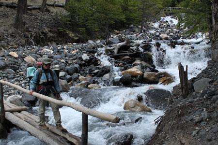 Cruzando un río (Este sí tenía puente) @3viajes