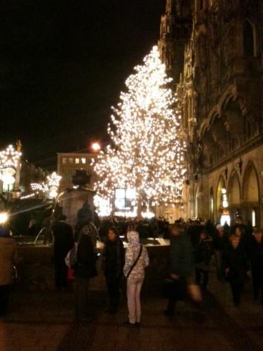 Árbol del mercadillo de Marienplatz de Munich