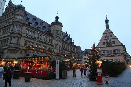 Plaza de Rothenburg Ob Der Tauber con su mercadillo de Navidad