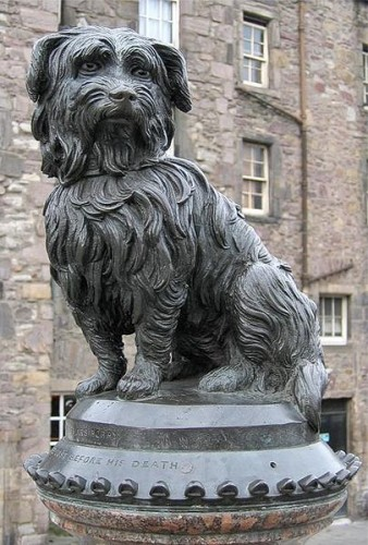 Estatua de Bobby, frente a la iglesia de Greyfriars