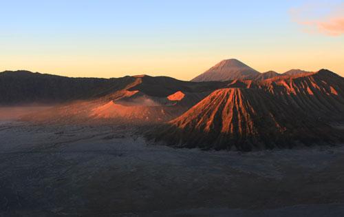 Amanecer en el volcán Bromo en Java
