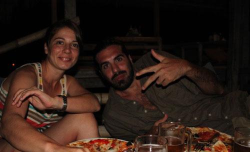 Cenando típicas pizzas indonesias en las Islas Gili (con Marc)
