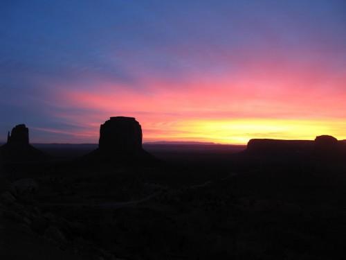 Salida del sol desde Monument Valley