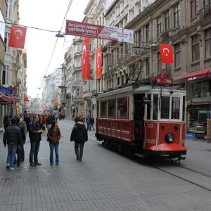 Avenida Istiklal de Estambul y su tramvía