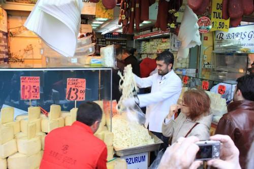 Fuera del mercado de las especias de Estambul