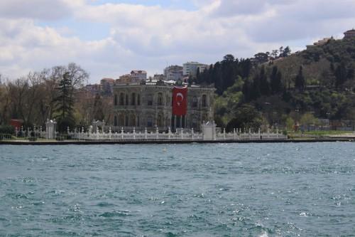 El Palacio de Dolmabahçe de Estambul desde el crucero