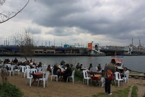 Restaurantes de pescado a orillas del mar de Mármara de Estambul