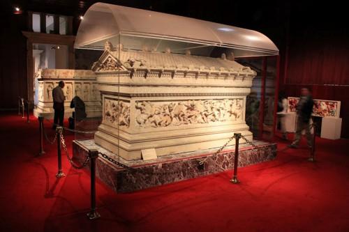 Tumba de Alejando Magno en el museo de arqueología de Estambul