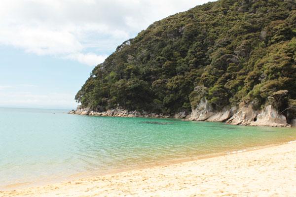Playa en la Costa Dorada neozelandesa @3viajes