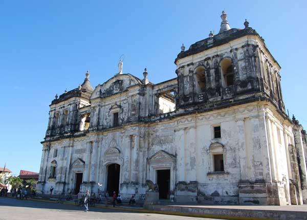Catedral Colonial de León @MónicaHernández