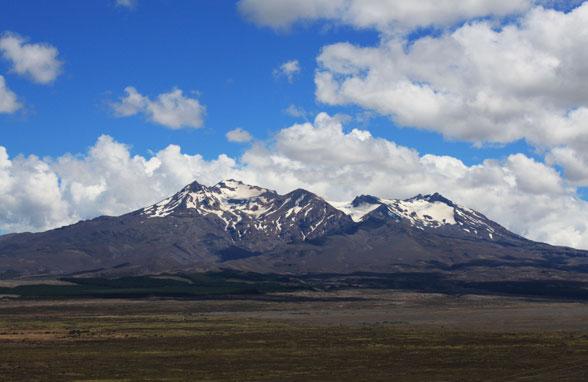 Montañas y volcanes del Tongariro desde la carretera @3viajes