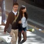 Estos turistas japoneses se van encantados con su rosa