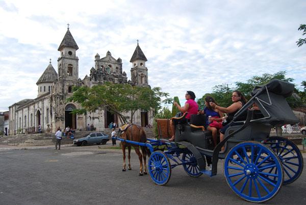 Turistas en calesa en Granada @MónicaHernández