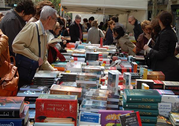 Puestos de libros en Sant Jordi. Barcelona