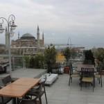 Terraza del Hotel Adamar con Santa Sofia en Estambul