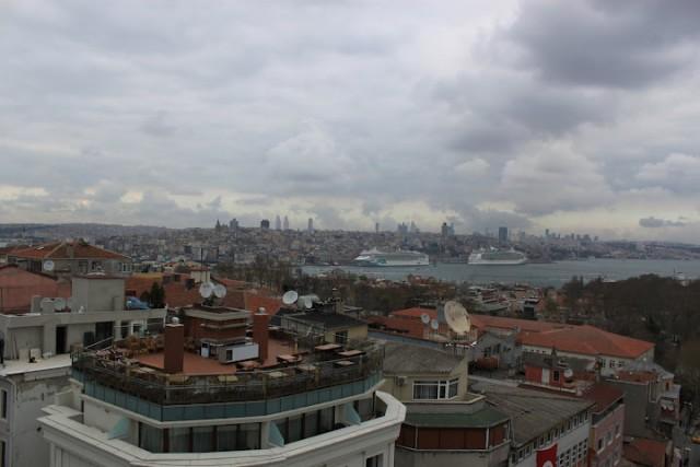 Vista del Bósforo desde el Hotel Adamar de Estambul