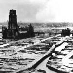 La iglesia, en el medio de la nada, tras los bombardeos.
