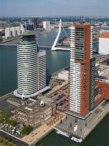 Kop van Zuid en Rotterdam, y el puente Erasmus