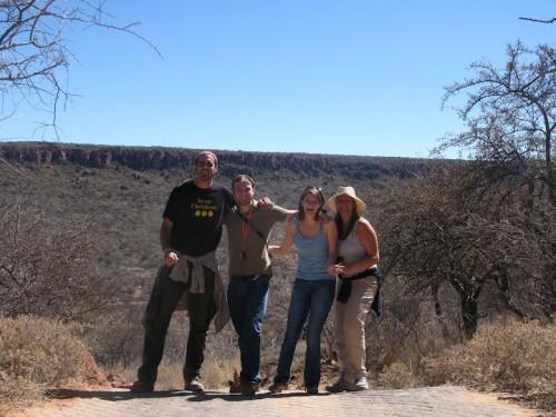 Con unos amigos que hicimos en Waterberg Plateau