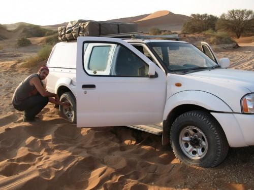 Con el coche atrapado en Sossusvlei en Namibia