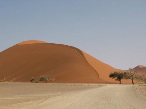 La duna 45 de Sossusvlei en Namibia