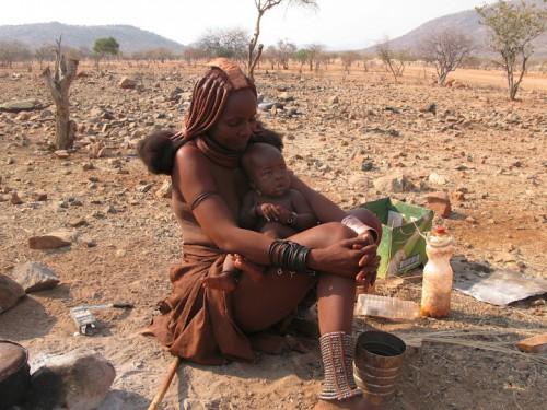 Visitando las himbas de Namibia
