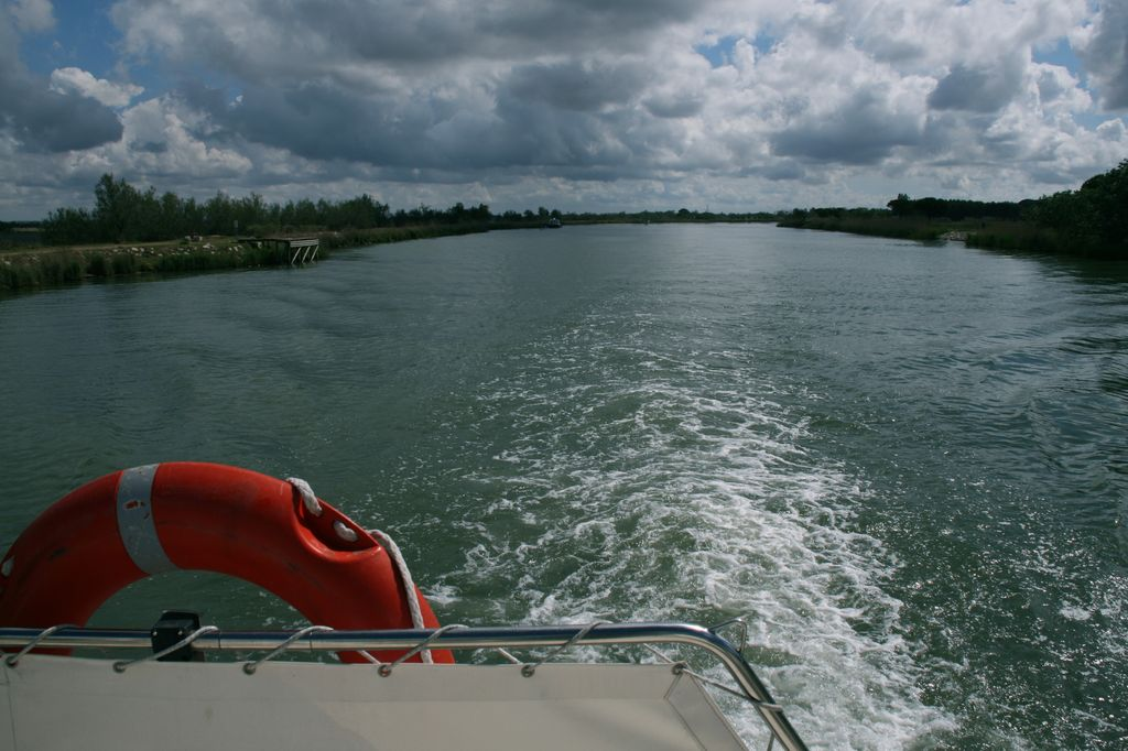Navegando por la Camargue (Francia)