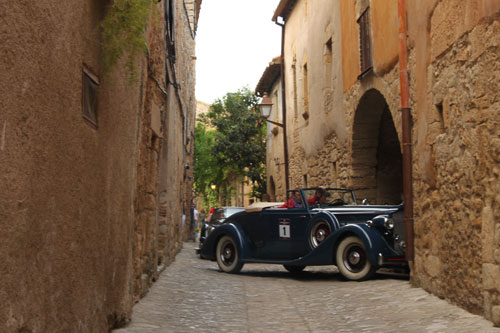 Rallye de coches clásicos en Peratallada @3viajes