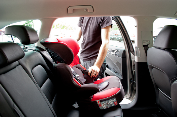 Alquilar coche con ni os en basilea 3viajes - Alquiler coche con silla bebe ...