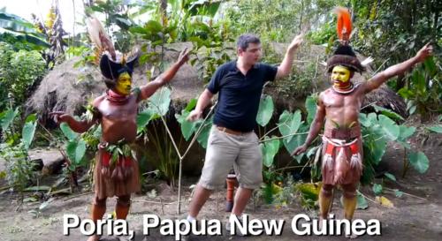 Matt Harding bailando en Papua Nueva Guinea