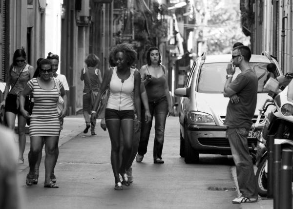 Fotografía callejera Barcelona - ¡Moza!