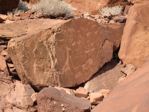 Otros petroglifos en Twyfelfontein en Damaraland, Namibia