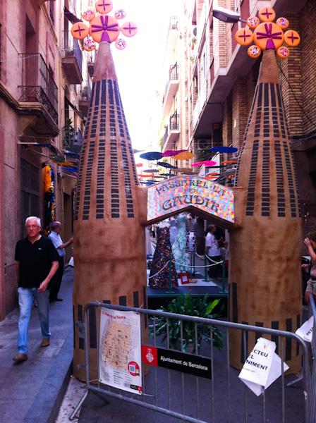 Pasarel.la per Gaudir en las Fiestas de Gracia de Barcelona