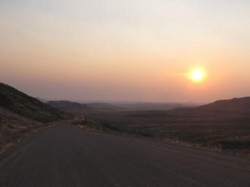 Puesta de sol en Damaraland, Namibia