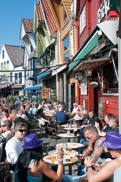 Ambientazo en las terrazas de Stavanger