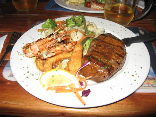 Plato surf and turf del restaurante Lighthouse de Swakopmund