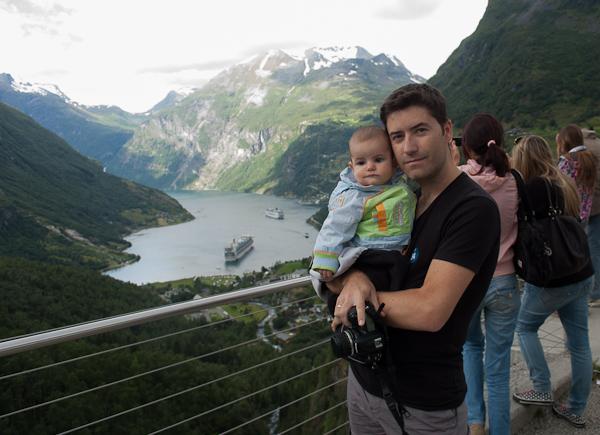 Con mi hijo Nicolás en el fiordo de Geiranger, Noruega