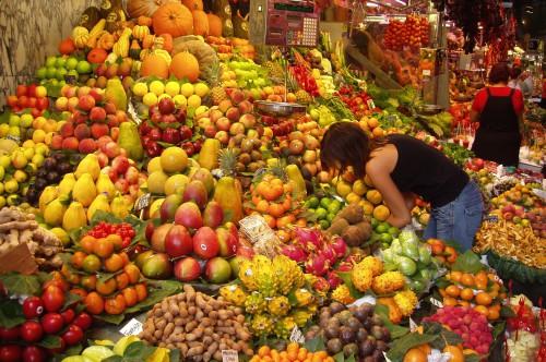 Parada de la fruta de la Boquería de Barcelona (@ Wikipedia)
